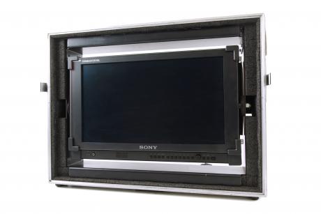 Sony PVM-1740 Front
